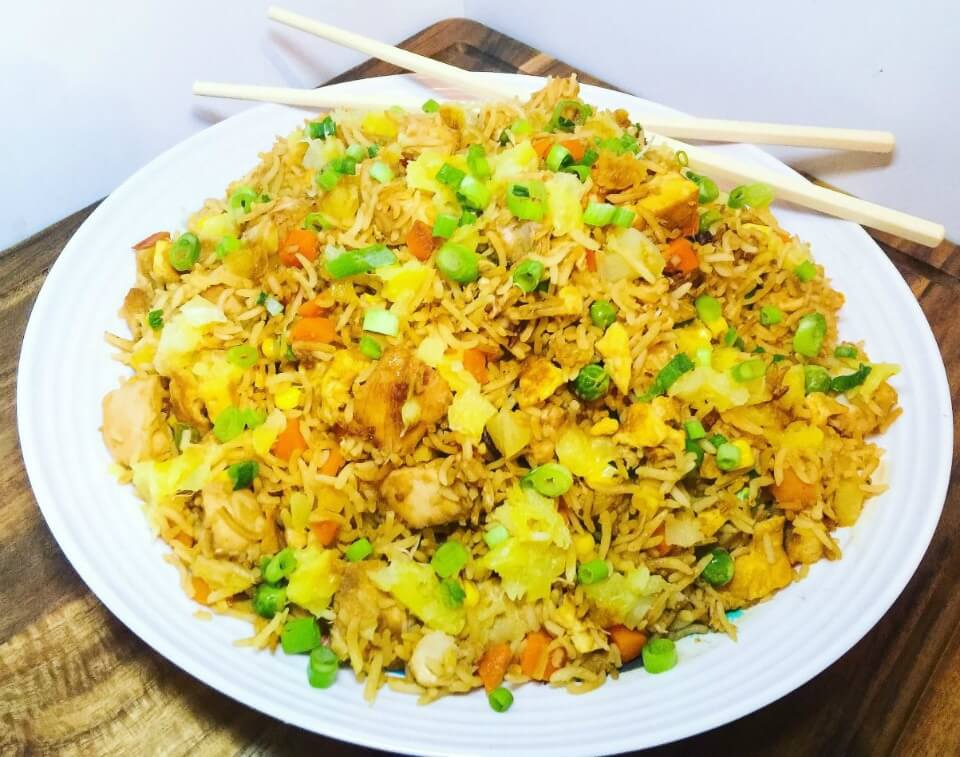 Healthy chicken and pineapple fried rice